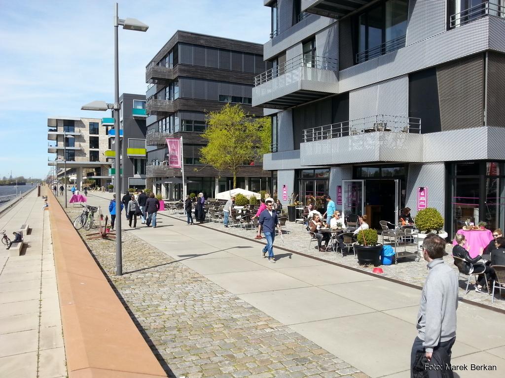 Dzielnica biurowa w miejscu starego portu