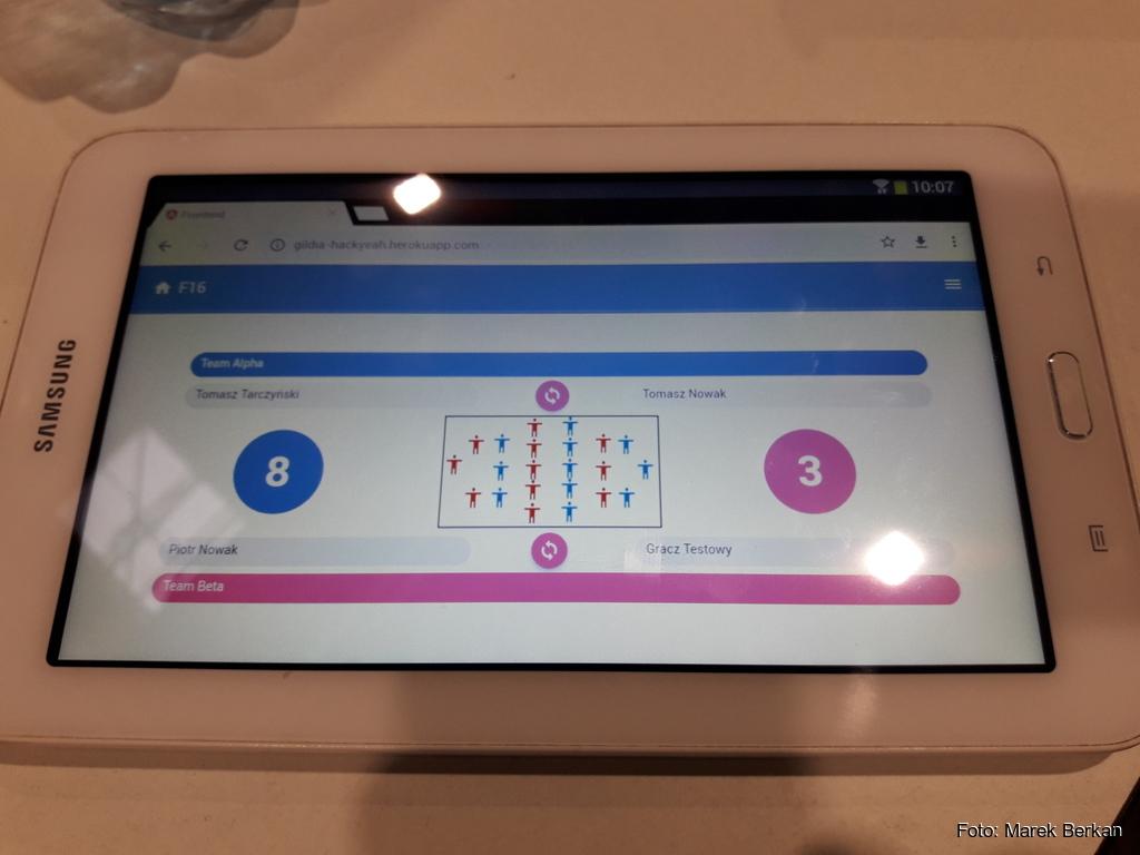 Hackyeah 2018 - aplikacja